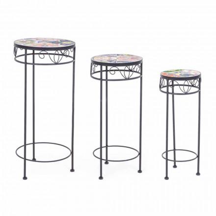3 runde Außentische aus Stahl mit Designdekoren - bezaubernd